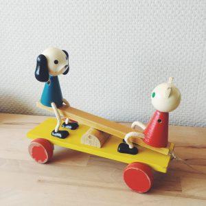 jouet-vintage-bois-durable-chien-et-chat