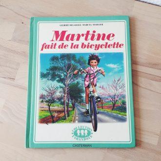 Martine fait de la bicylette livre vintage enfant