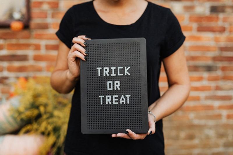 trick or treat halloween decoration